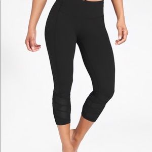 ATHLETA Black Mantra Capri Legging Black Mesh XS